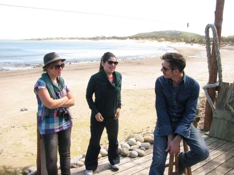 Cecilia, Anita y Marcelo.