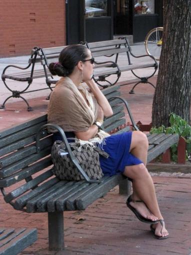 NY streetstyle, agosto 2009. En el pelo: moño.