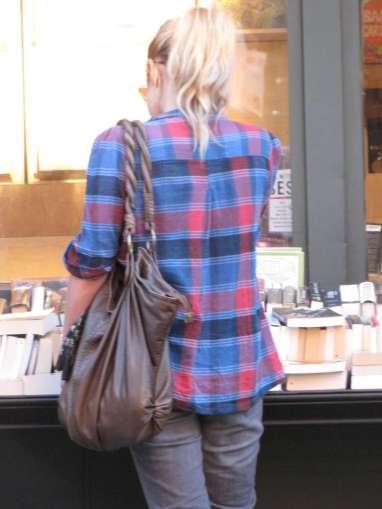 NY streetstyle, agosto 2009. Escocés por todos lados.