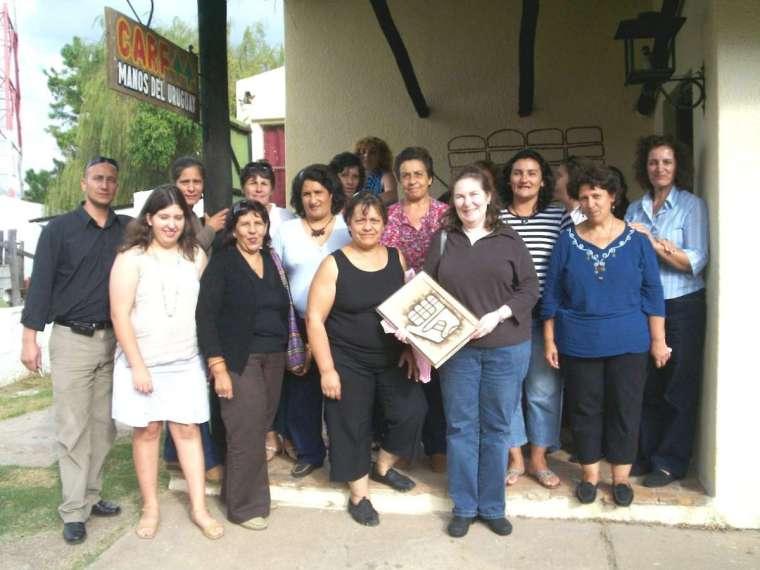 Manos del Uruguay - Artesanas de la Cooperativa de Carf en Fraile Muerto - Cerro Largo