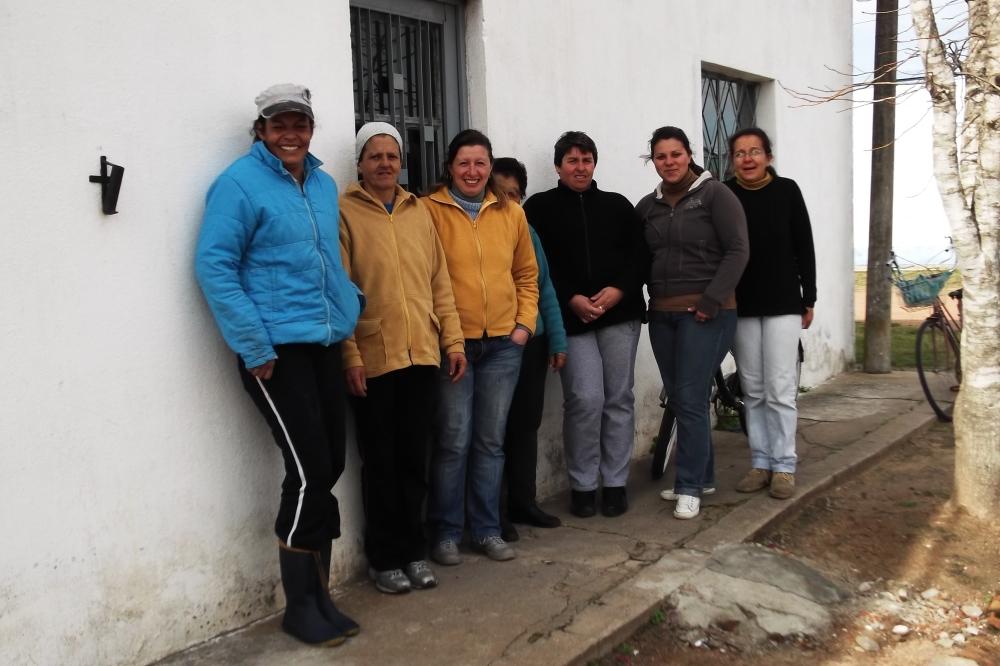 Manos del Uruguay - Artesanas de la Cooperativa de Dragón