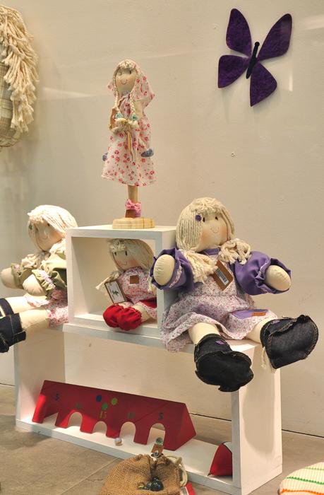 Vidriera Manos del Uruguay - Día del Niño - Shopping Punta Carreta
