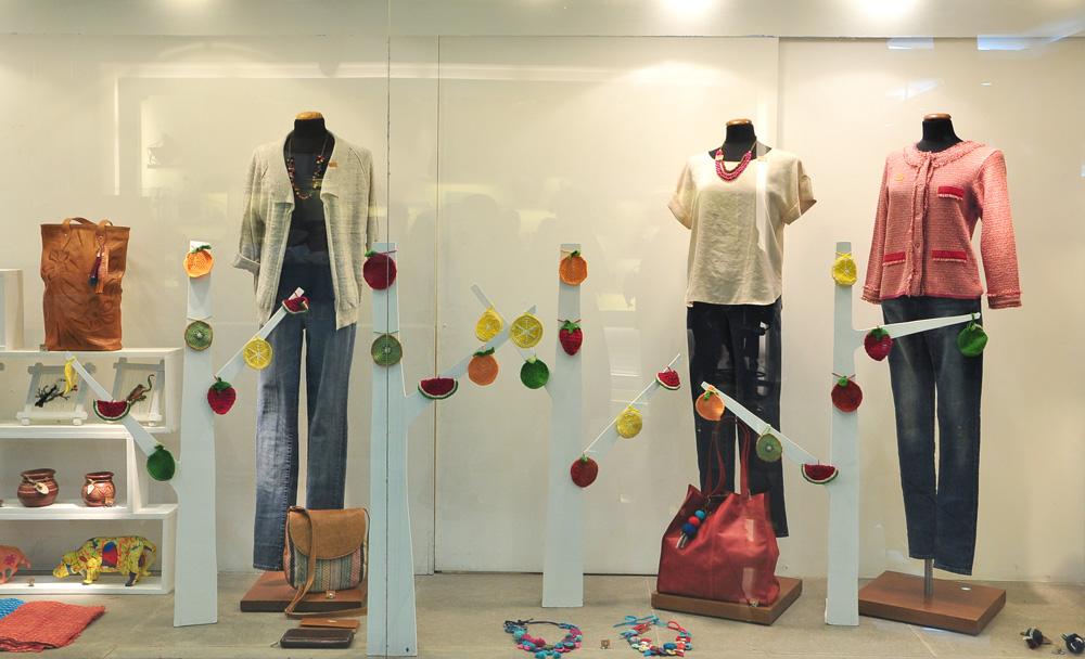 Manos del Uruguay - Vidriera Verano Punta Carretas Shopping